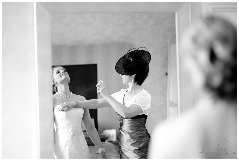 Ponsbourne Park Wedding Photography_010