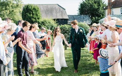 How to plan a stress free back garden wedding at home [a guide]